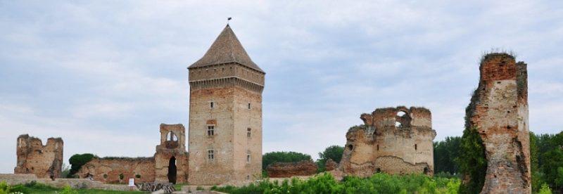 TVRĐAVA U BAČU – GOSPODAR VOJVOĐANSKE RAVNICE Tvrđava u Baču predstavlja najznačajnije i najbolje očuvano srednjovekovno utvrđenje na području Vojvodine.