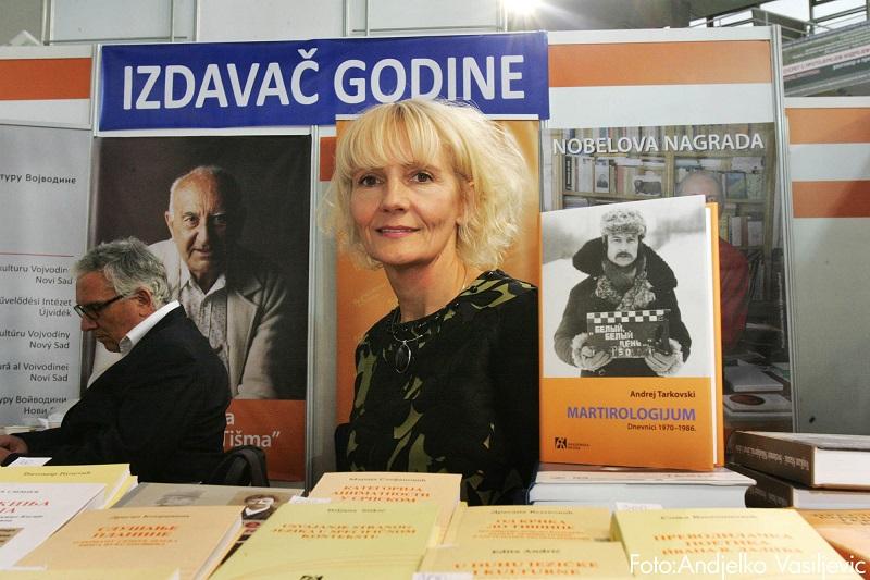 IZDAVAČ GODINE IZ NAŠEG SOKAKA Knjiga glavu čuva...  piše Dragoljub Selaković