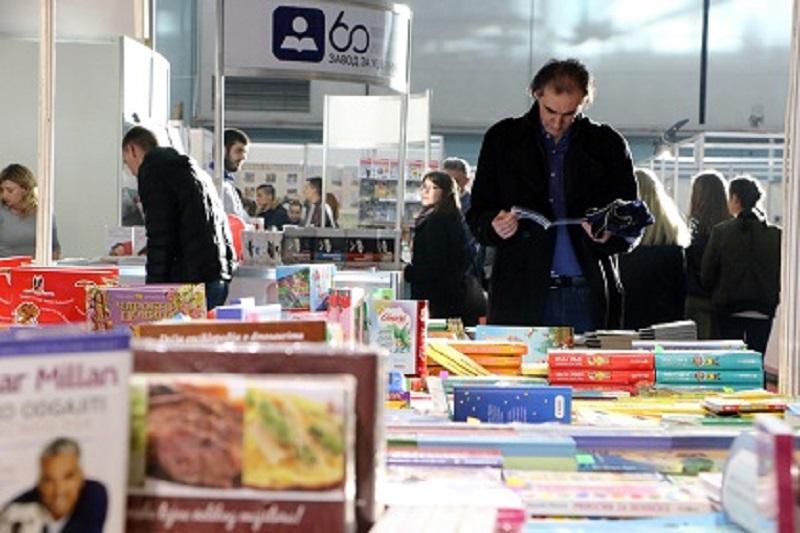 KNJIGE SU U MODI – povodom 23. međunarodnog sajma knjiga Knjiga glavu čuva… piše Dragoljub Selaković