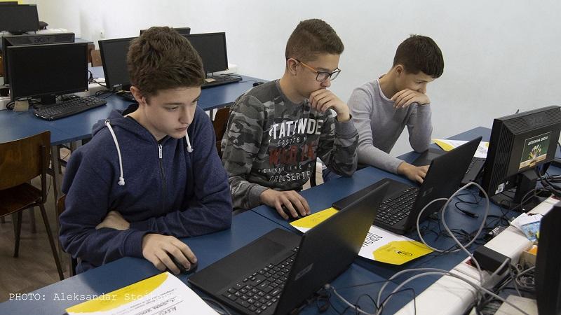 GENIJALCI IZ ISIDORINE ŠKOLE PROGRAMIRAJU ROBOTE I MEĐU NAJBOLJIMA SU U SRBIJI