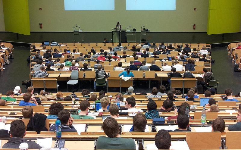 KULA – OPŠTINA NAGRAĐUJE NAJBOLJE STUDENTE!